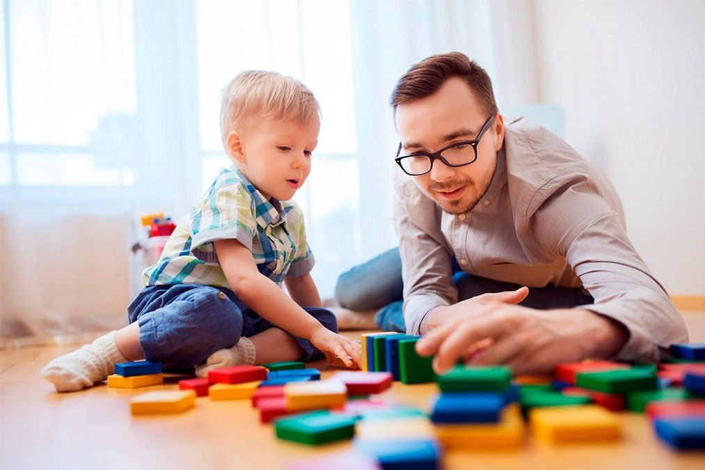 Guide for parents: The importance of playing with our children